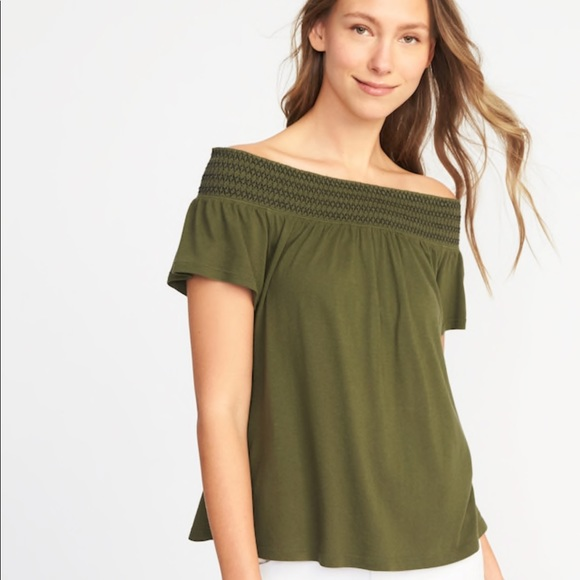 21753a171 Old Navy Tops